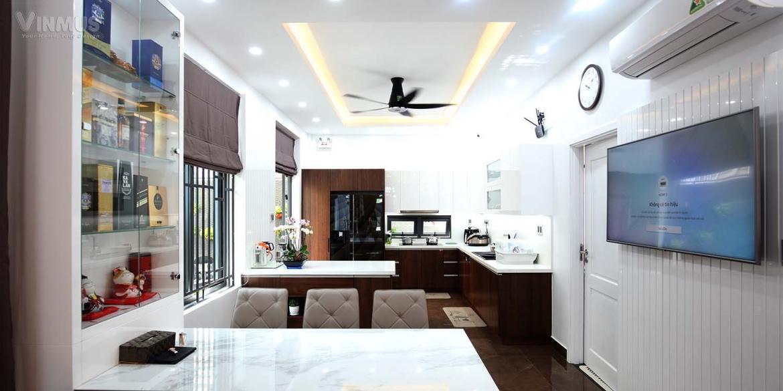 Phòng bếp và phòng ăn thoáng đãng vì được liên kế t
